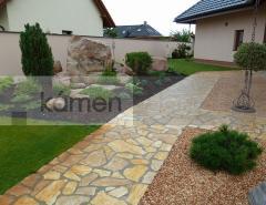 Realizace zahrady - dlažba Saliè, Solitérní kámen