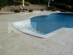 Travertin Ivory Cream - dlažba kolem bazénu